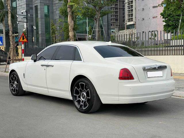 Rolls-Royce Ghost xuống giá, rẻ hơn cả Mercedes-Maybach vài tỷ đồng dù chỉ chạy 50.000km - Ảnh 3.