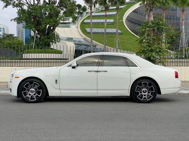 Rolls-Royce Ghost xuống giá, rẻ hơn cả Mercedes-Maybach vài tỷ đồng dù chỉ chạy 50.000km - Ảnh 8.