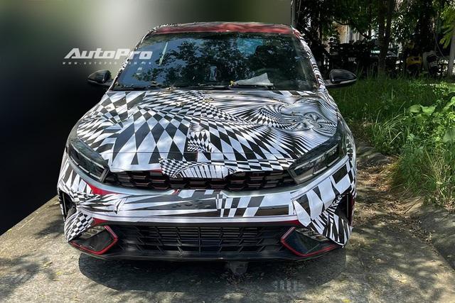 Kia Cerato 2022 nguỵ trang tại Việt Nam, sắp ra mắt sau đợt dọn hàng giảm giá kỷ lục - Ảnh 1.
