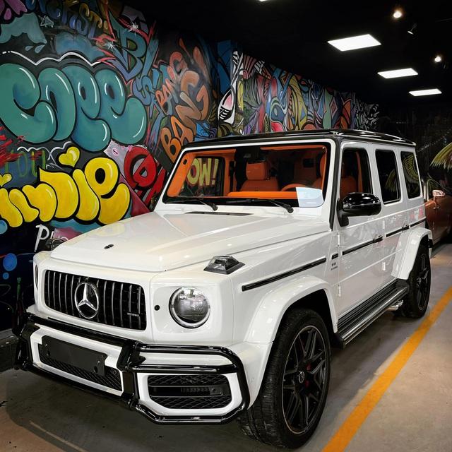 Nữ doanh nhân Bến Tre mua Mercedes-AMG G 63 với nội thất Hermes giống xe Đoàn Di Băng về làm cặp với Porsche 718 - Ảnh 1.