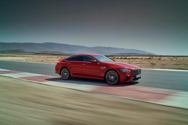 Thích xe gia đình lại đam mê tốc độ, Mercedes-AMG GT 63 E Performance là lựa chọn tham khảo mạnh hơn Lamborghini Aventador SVJ - Ảnh 1.