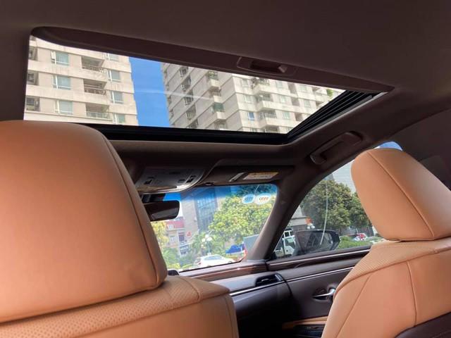 Sau 3 năm, Lexus ES 250 bán lại chỉ chênh 141 triệu đồng so với giá niêm yết chính hãng - Ảnh 7.