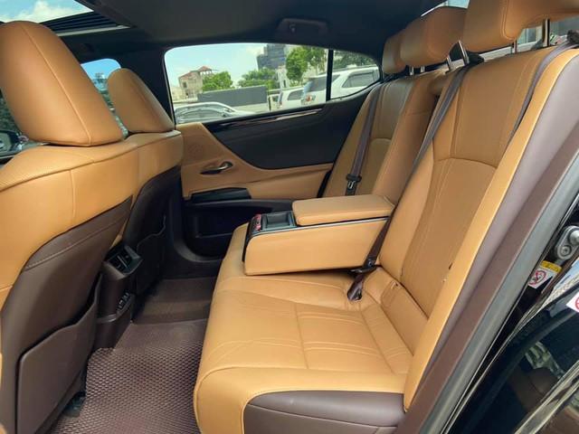 Sau 3 năm, Lexus ES 250 bán lại chỉ chênh 141 triệu đồng so với giá niêm yết chính hãng - Ảnh 8.