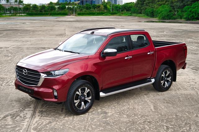 5 mẫu xe đi ngược thị trường bán chạy mùa dịch: Mazda chiếm áp đảo, Toyota Hiace tăng trưởng tới 275% - Ảnh 2.