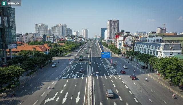 Vẻ đẹp hút hồn như trời Âu của tuyến đường hơn 8.000 tỷ đồng, 12 làn xe giữa Thủ đô trong thời điểm giãn cách - Ảnh 1.