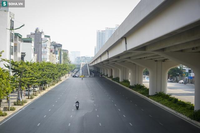 Vẻ đẹp hút hồn như trời Âu của tuyến đường hơn 8.000 tỷ đồng, 12 làn xe giữa Thủ đô trong thời điểm giãn cách - Ảnh 12.