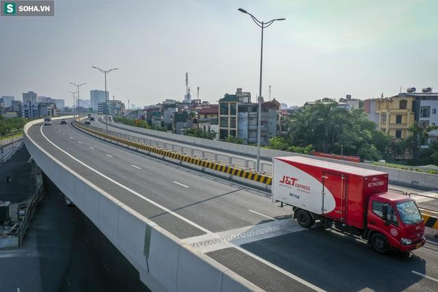 Vẻ đẹp hút hồn như trời Âu của tuyến đường hơn 8.000 tỷ đồng, 12 làn xe giữa Thủ đô trong thời điểm giãn cách - Ảnh 9.