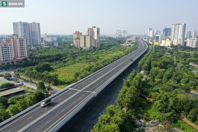 Vẻ đẹp hút hồn như trời Âu của tuyến đường hơn 8.000 tỷ đồng, 12 làn xe giữa Thủ đô trong thời điểm giãn cách - Ảnh 10.