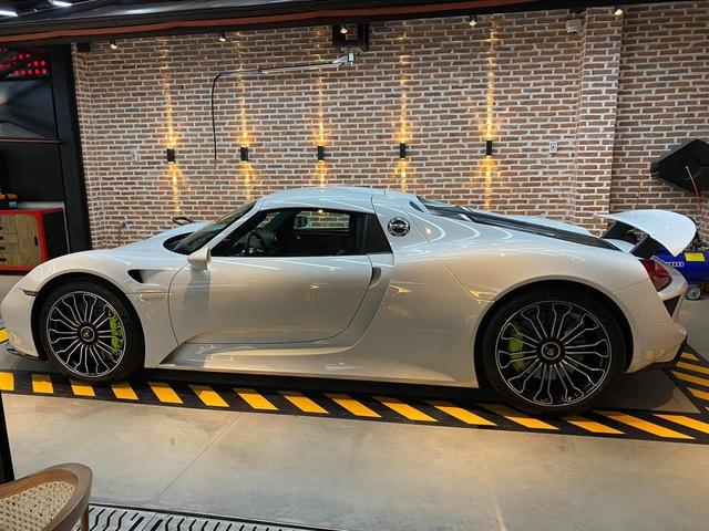Rộ tin Porsche 918 Spyder độc nhất Việt Nam bất ngờ trở lại trong garage của nữ doanh nhân 9x, đập tan tin đồn chia tay siêu phẩm độc nhất Việt Nam? - Ảnh 4.