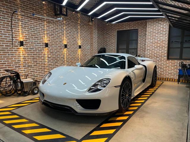 Rộ tin Porsche 918 Spyder độc nhất Việt Nam bất ngờ trở lại trong garage của nữ doanh nhân 9x, đập tan tin đồn chia tay siêu phẩm độc nhất Việt Nam? - Ảnh 3.