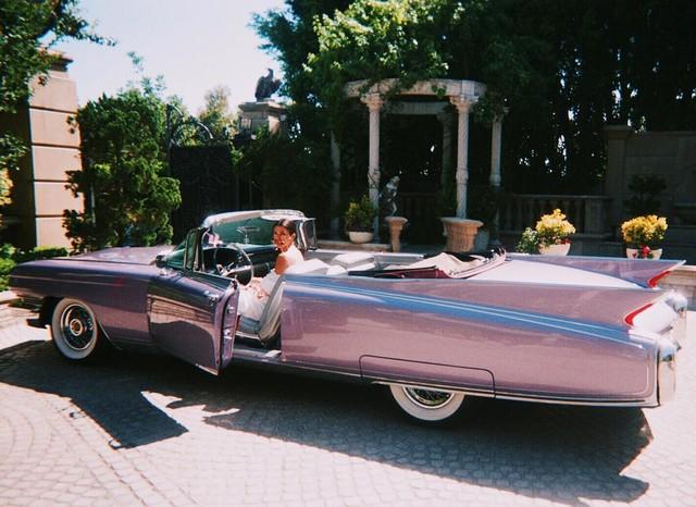'Choáng' với bộ sưu tập xe khủng của chị em nhà Kardashian-Jenner: Bugatti, Rolls-Royce, Lamborghini hay Ferrari đủ cả - Ảnh 4.