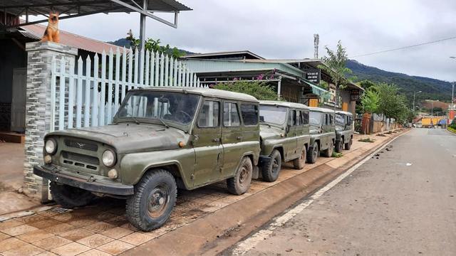 Những mẫu xe huyền thoại từng tung hoành tại Việt Nam một thời giờ có giá bán ra sao? - Ảnh 1.