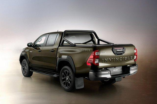Bán quá chạy, Toyota Hilux bị các đại lý đánh tráo linh kiện giả kiếm lời - Ảnh 3.