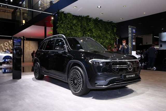 Mercedes-Benz EQB, EQE sắp bán chính hãng tại Việt Nam - SUV và sedan tiền tỷ ngập công nghệ cho dân chơi kiểu mới - Ảnh 4.