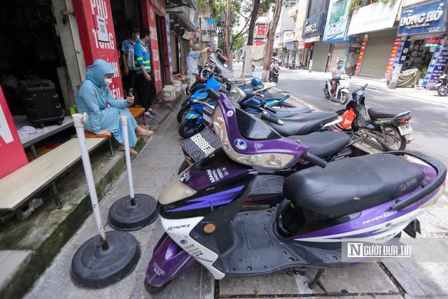 Dịch vụ sửa xe ở Hà Nội quá tải sau khi mở cửa trở lại - Ảnh 13.