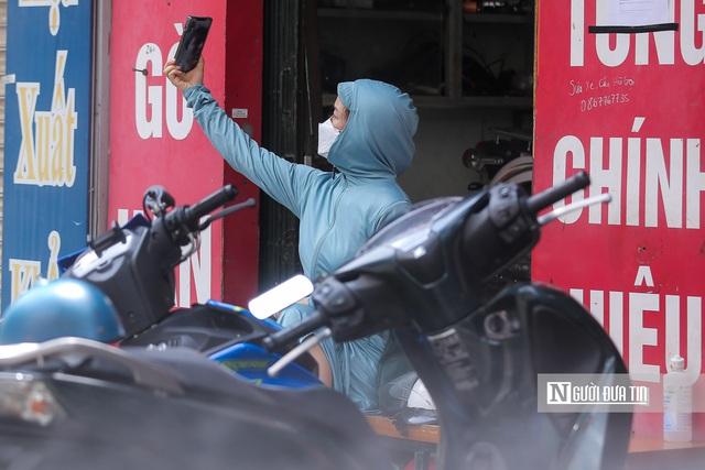 Dịch vụ sửa xe ở Hà Nội quá tải sau khi mở cửa trở lại - Ảnh 14.