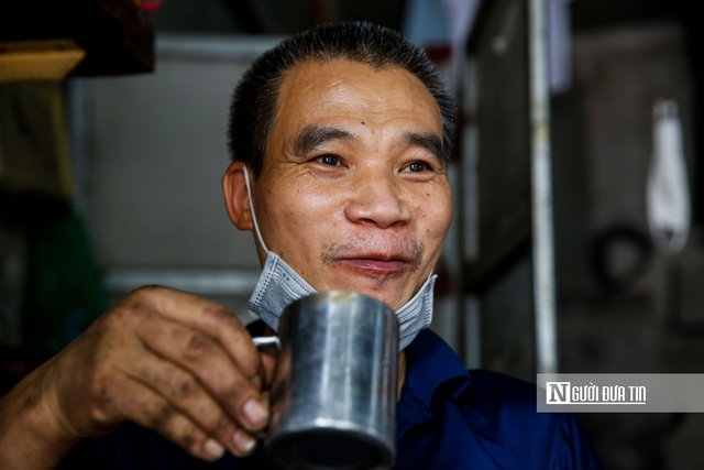 Dịch vụ sửa xe ở Hà Nội quá tải sau khi mở cửa trở lại - Ảnh 7.