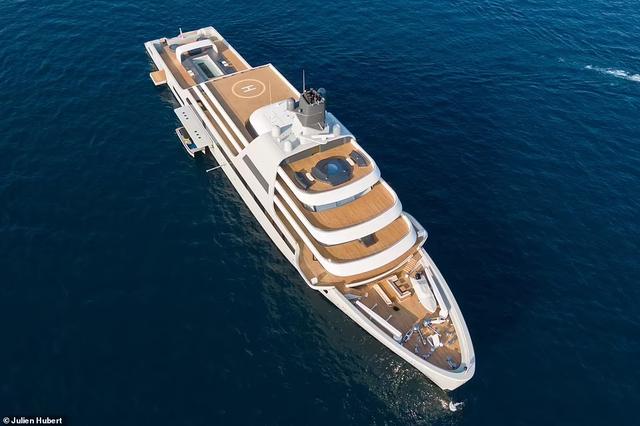 Chiêm ngưỡng siêu du thuyền của ông chủ Chelsea: Giá bằng... hơn 1.200 chiếc Lamborghini Aventador, không khác khách sạn 5 sao trên biển - Ảnh 3.