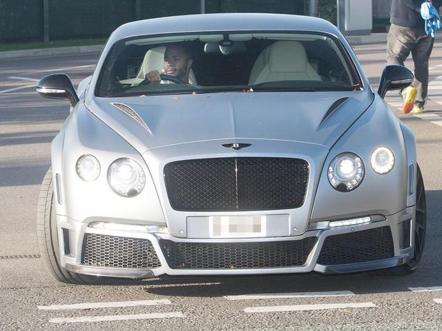 Manchester United được thơm lây nhờ bộ sưu tập siêu xe của Ronaldo: Tổng giá trị 24 triệu USD, vô đối tại giải Ngoại hạng Anh - Ảnh 7.