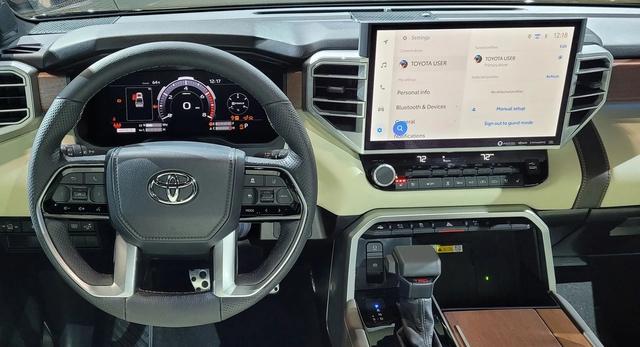 Khám phá màn hình trên Toyota Tundra 2022: Xịn và to chưa từng có, hiện đại như Lexus, có trợ lý ảo Hey Toyota - Ảnh 2.