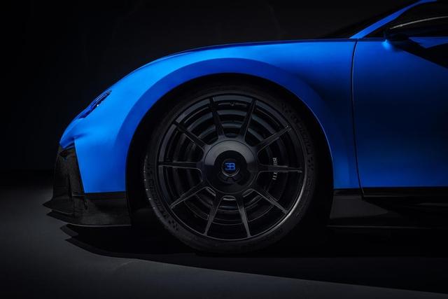 Chi phí bảo dưỡng Bugatti Chiron trong 4 năm đủ để mua siêu xe Lamborghini, Ferrari - Ảnh 3.