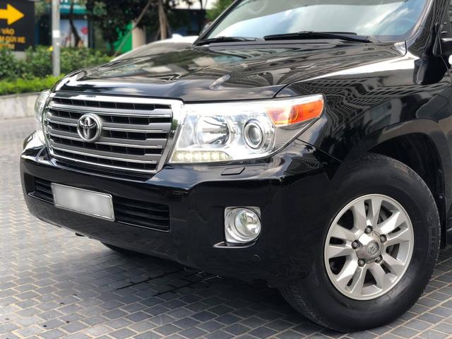 Sau 120.000km, Toyota Land Cruiser bán lại vẫn đắt hơn Mercedes-Benz GLC 300 đập hộp - Ảnh 2.
