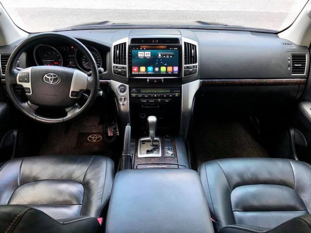 Sau 120.000km, Toyota Land Cruiser bán lại vẫn đắt hơn Mercedes-Benz GLC 300 đập hộp - Ảnh 3.