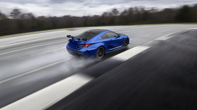 Lexus tung RC F phiên bản đặc biệt đe dọa vị thế của Audi A5 và BMW M4 - Ảnh 2.