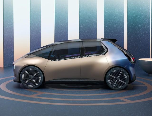 BMW i Vision Circular - Xe 4 chỗ to hơn Kia Morning, tái chế được, bên trong gây bất ngờ - Ảnh 2.