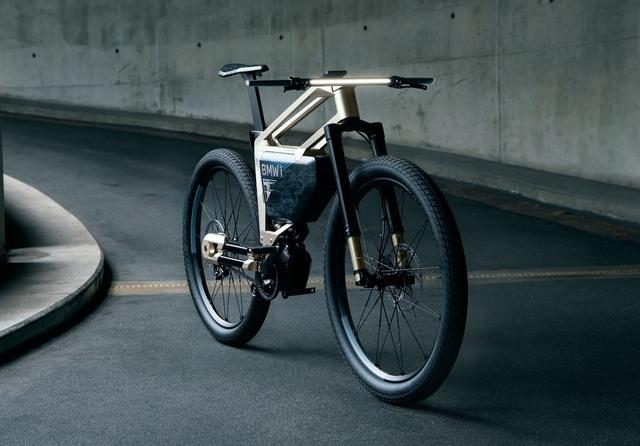 Mẫu xe máy điện BMW này chạy được 300 km mới phải sạc, cho phép điều khiển bằng điện thoại từ xa - Ảnh 5.
