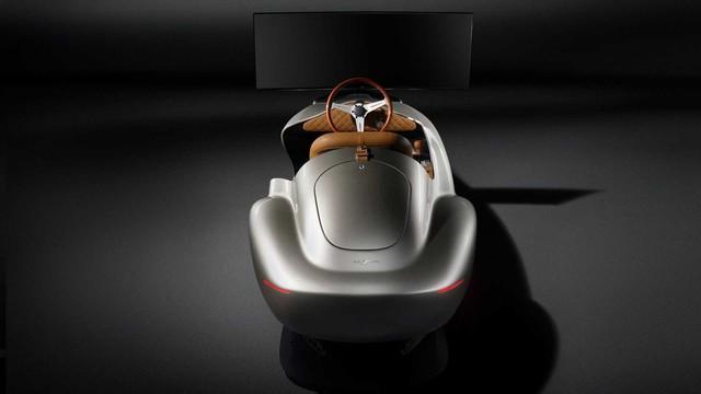 Hãng thiết kế xe cho VinFast bán buồng lái ảo dành cho đại gia giải trí mùa dịch - Ảnh 3.