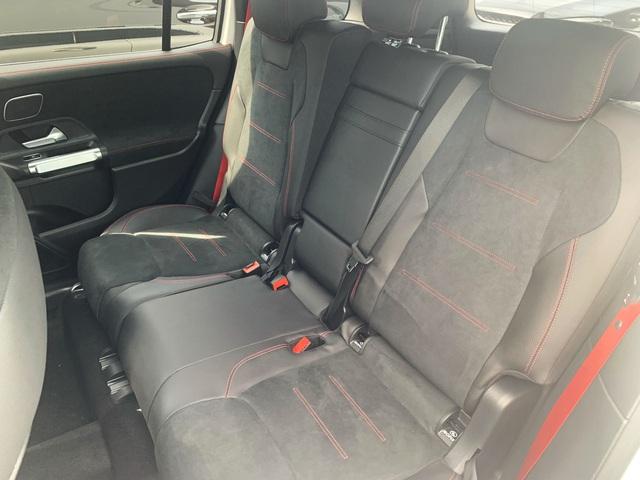 Mercedes-AMG GLB 35 ồ ạt về đại lý: SUV 7 chỗ mạnh nhất Việt Nam cho dân chơi mê tốc độ, giá đắt hơn GLC 300 - Ảnh 10.