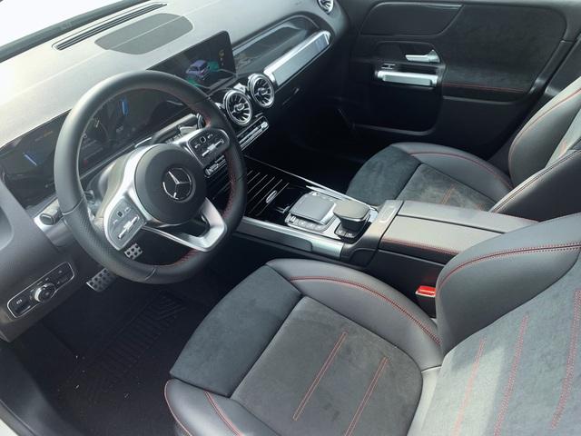 Mercedes-AMG GLB 35 ồ ạt về đại lý: SUV 7 chỗ mạnh nhất Việt Nam cho dân chơi mê tốc độ, giá đắt hơn GLC 300 - Ảnh 9.