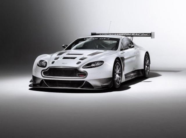 """Phấn khích với xe đua """"siêu tốc"""" Aston Martin V12 Vantage GT3"""