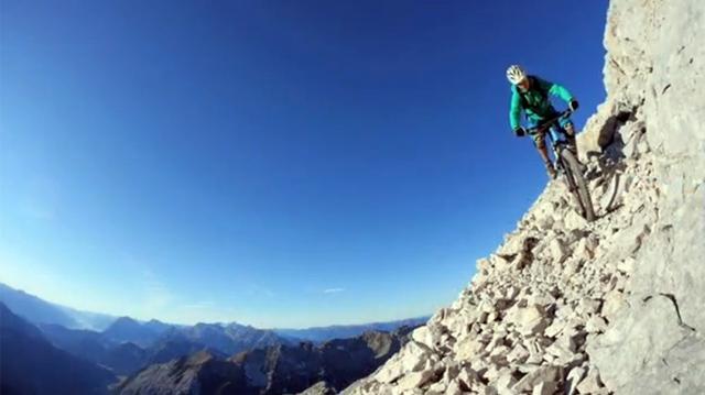 Video: Khi đam mê vượt lên tất cả