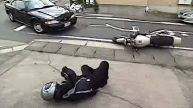Video: Túi khí cho người đi motor
