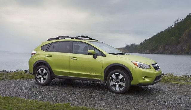 Subaru XV Crosstrek Hybrid có giá từ 25.995 USD