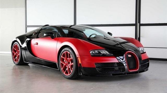 """""""Rao vặt"""" siêu xe Bugatti Veyron Grand Sport Vitesse màu độc tại Mỹ"""