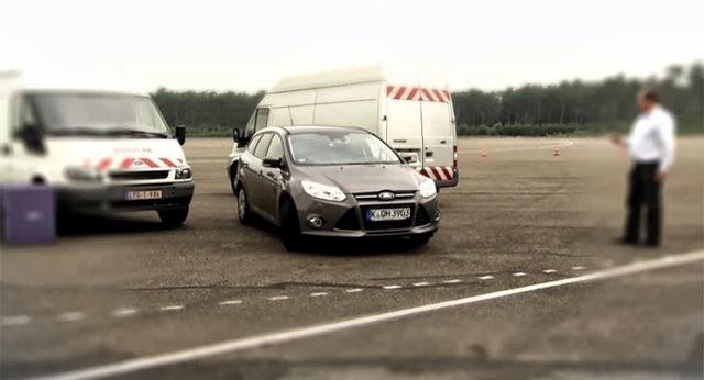 Ford: Đỗ xe tự động bằng 1 nút bấm
