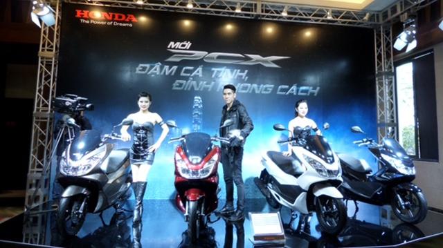 Honda bất ngờ ra mắt PCX 125 phiên bản cao cấp: Thiết kế mới, full LED