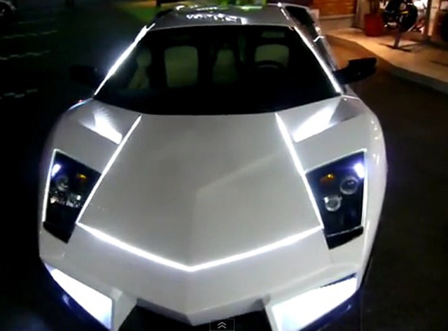 "Lamborghini Murcielago theo phong cách ""Tron Legacy"""