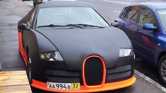 """Bugatti Veyron WRE """"nhái"""" cực xấu"""