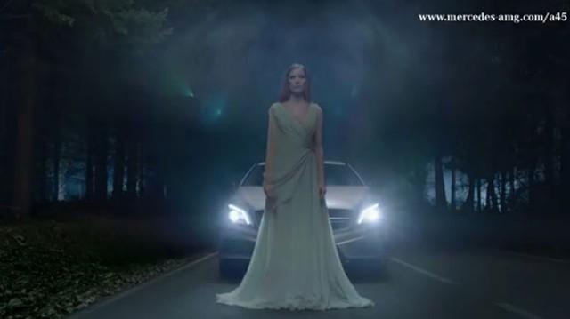 Thần tiên và người ngoài hành tinh cũng mê Mercedes-Benz A45 AMG
