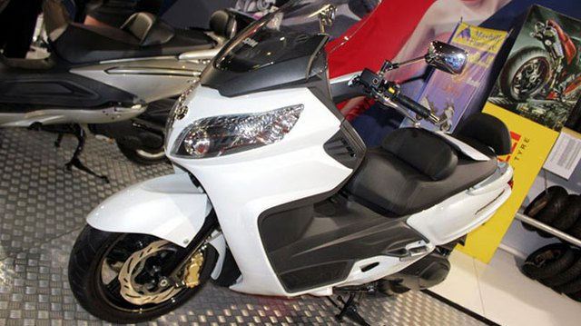 SYM Maxsym 400i - Đối thủ của Yamaha Majesty 400