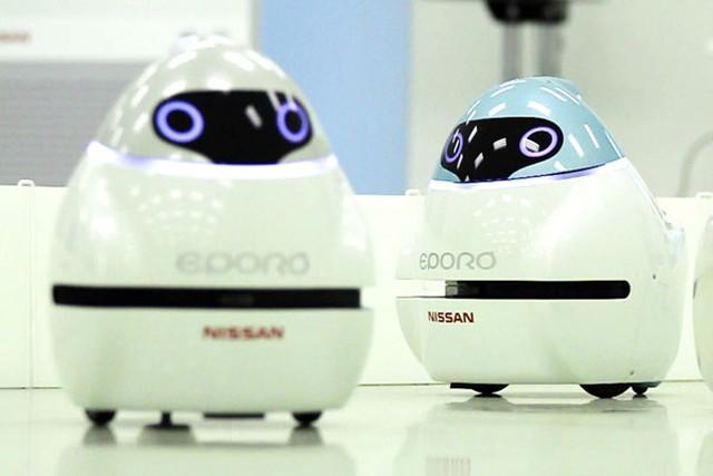 Nissan Eporo - Robot ứng dụng công nghệ xe hơi