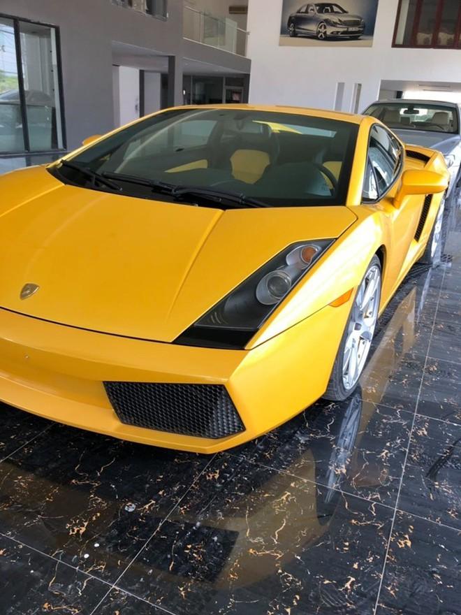 Them mot chiec Lamborghini Gallardo moi ve Viet Nam voi bien so la