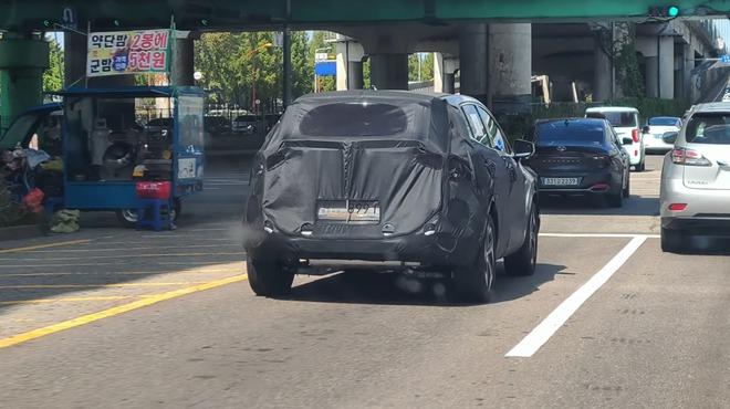 regular kia sportage nq5 short wheelbase 2 16038399958151669561858 Kia Sportage thế hệ mới hé lộ hình ảnh cạnh tranh với Hyundai Tucson