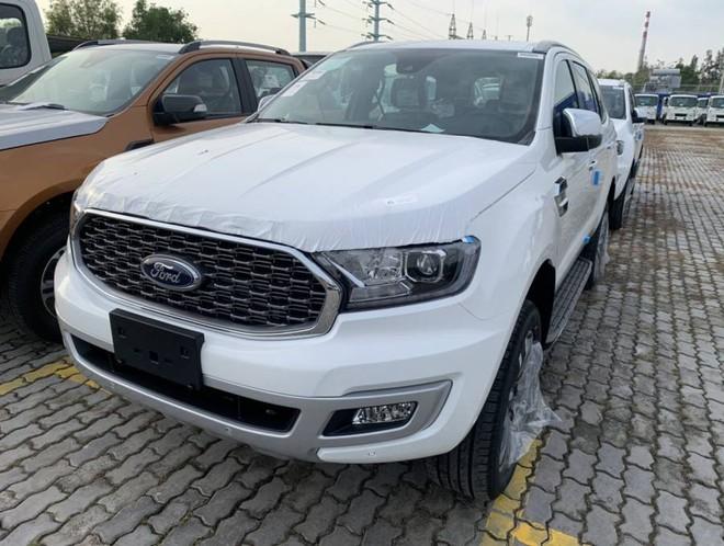 autopro everest 2021 16060865691382099864361 Ford Everest 2021 Facelift chính thức ra mắt gồm 3 phiên bản