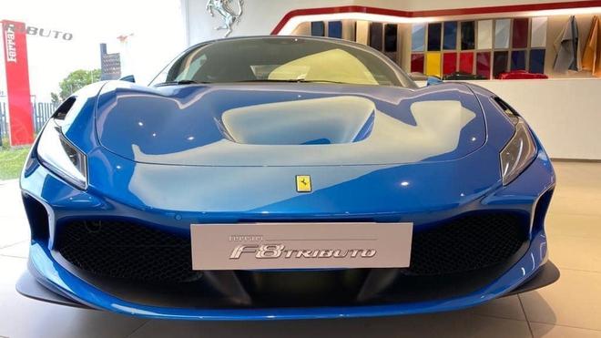 Ferrari F8 Tributo chao hang dai gia Viet giai dap thac mac so tien mua xe cua Cuong Do-la