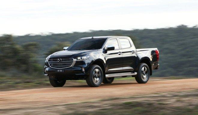 new mazda bt 50 4 15923673365461264827230 Ra mắt Mazda BT-50 2021: Giống CX-5, khung gầm D-Max, sẵn sàng về Việt Nam đấu Ford Ranger